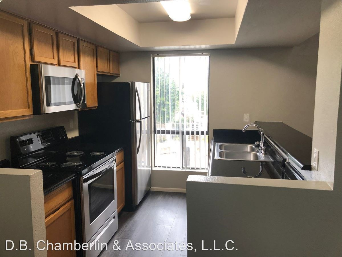 2 Bedrooms 2 Bathrooms Apartment for rent at 80 W. Maryland Avenue in Phoenix, AZ