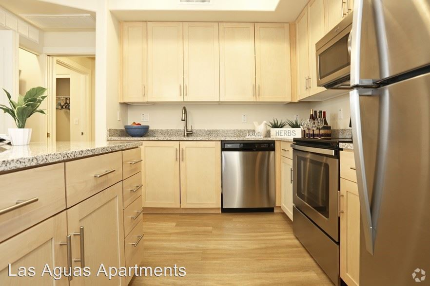 1 Bedroom 1 Bathroom Apartment for rent at 6640 E Mcdowell Rd in Scottsdale, AZ