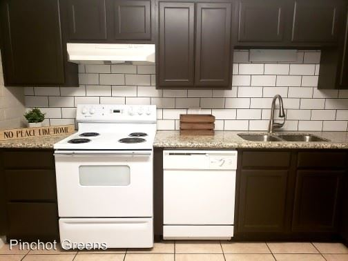 2 Bedrooms 1 Bathroom Apartment for rent at 2242 E. Pinchot Ave in Phoenix, AZ