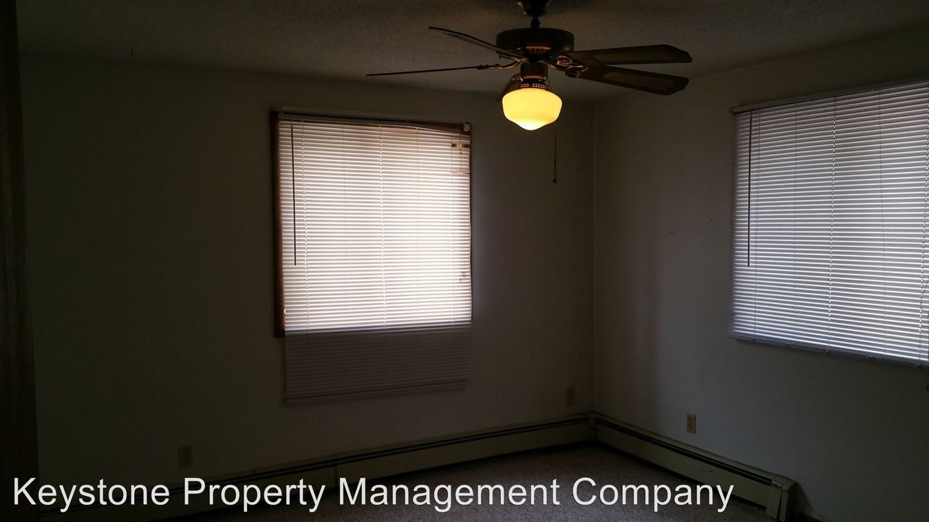 2 Bedrooms 1 Bathroom Apartment for rent at 1012 E. Burlington Street in Iowa City, IA