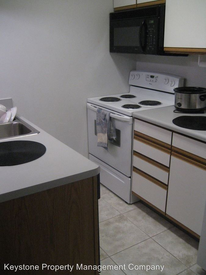 1 Bedroom 1 Bathroom Apartment for rent at 528 N. Dubuque in Iowa City, IA