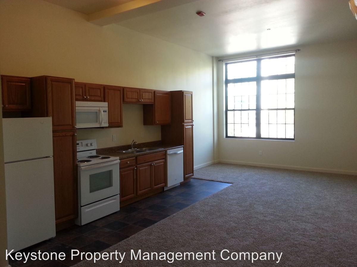 1 Bedroom 1 Bathroom Apartment for rent at 243 Iowa Avenue in Iowa City, IA