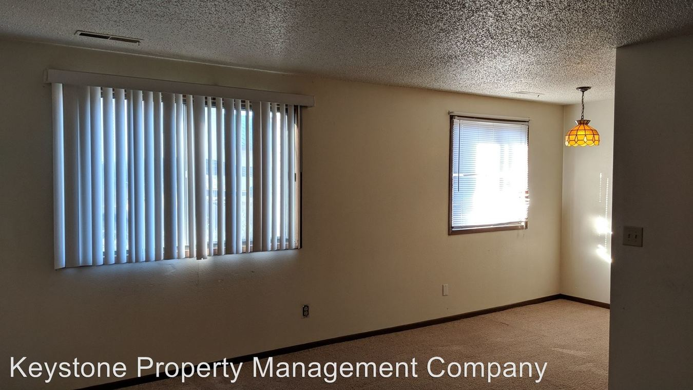 2 Bedrooms 1 Bathroom Apartment for rent at 894, 900, And 910 Boston Way in Coralville, IA