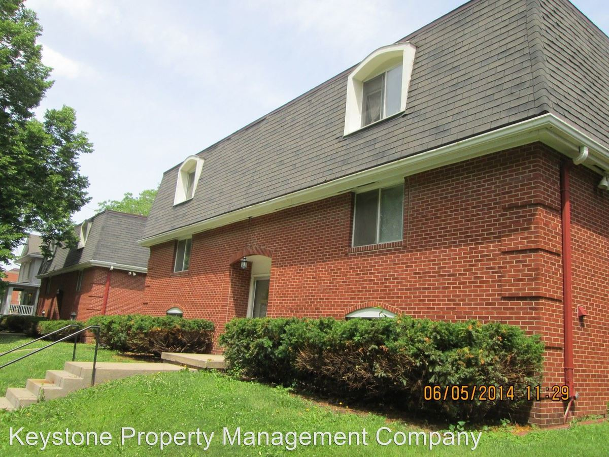 2 Bedrooms 1 Bathroom Apartment for rent at 712/720 E. Market Street in Iowa City, IA
