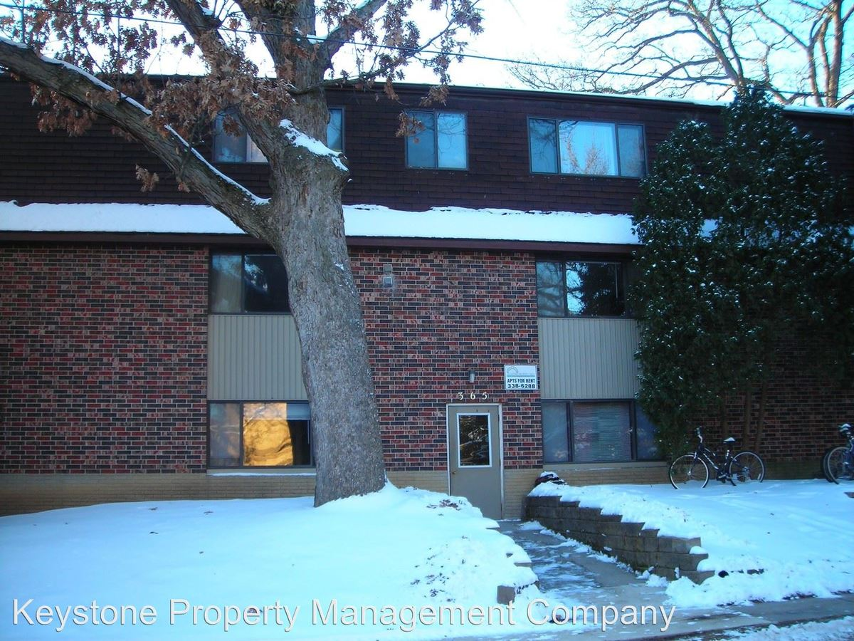 3 Bedrooms 1 Bathroom Apartment for rent at 365 Ellis Avenue in Iowa City, IA