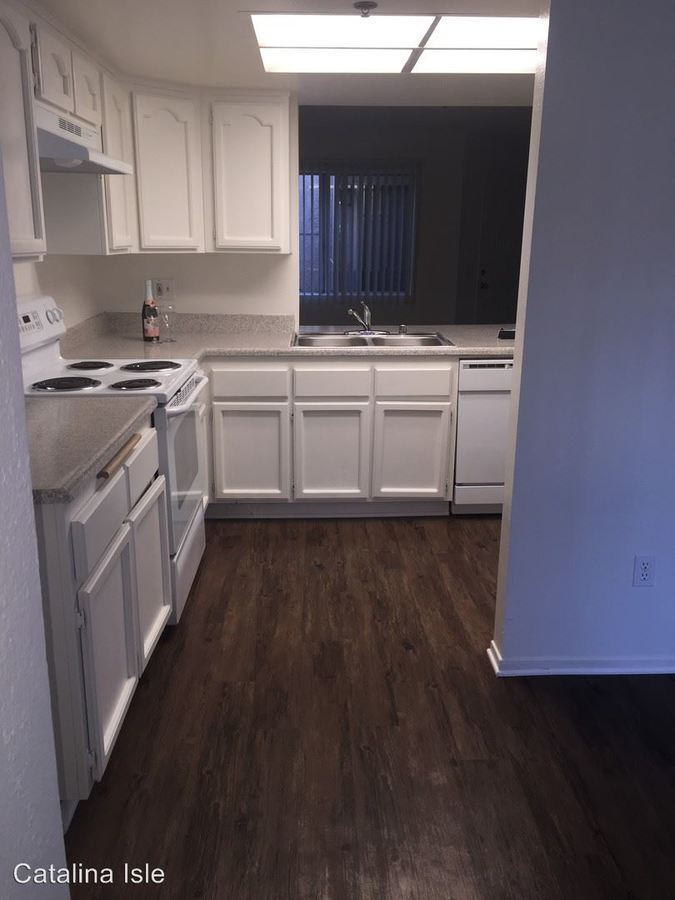 2 Bedrooms 2 Bathrooms Apartment for rent at 380 N. Catalina Ave Apt #1 in Pasadena, CA