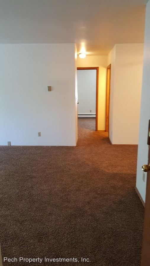 2 Bedrooms 1 Bathroom Apartment for rent at 2505 N. Frederick Avenue in Milwaukee, WI