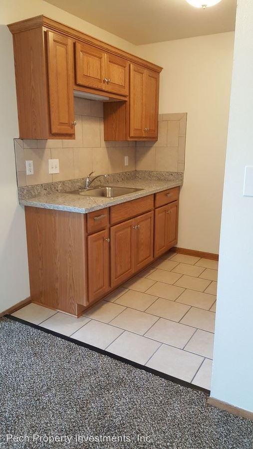 1 Bedroom 1 Bathroom Apartment for rent at 3355 N. Oakland Avenue in Milwaukee, WI