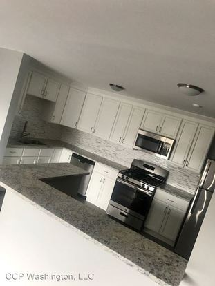 2 Bedrooms 2 Bathrooms Apartment for rent at Ccp Washington, Llc 5202 Washington St in Downers Grove, IL