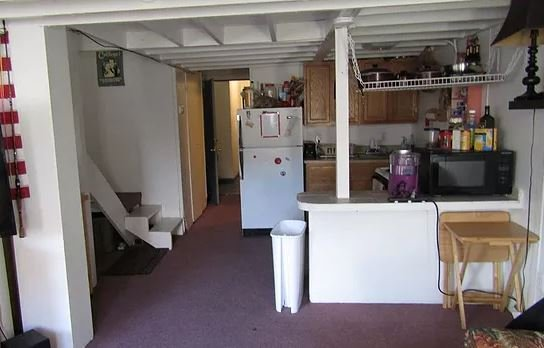 2 Bedrooms 1 Bathroom Apartment for rent at 21 1/2 S. Court in Athens, OH