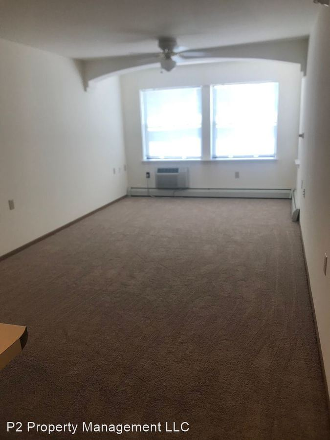 1 Bedroom 1 Bathroom Apartment for rent at 920 N Hawley Rd in Milwaukee, WI