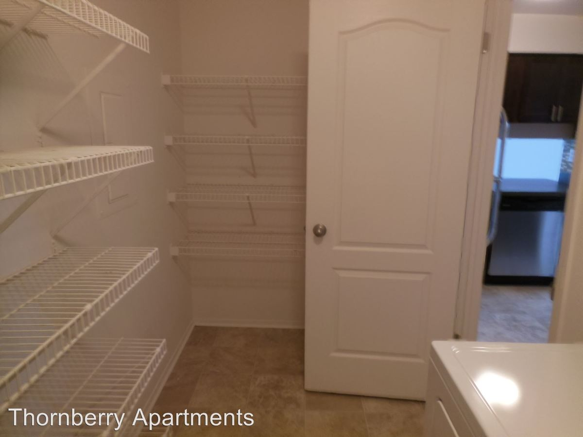 2 Bedrooms 2 Bathrooms Apartment for rent at 5460 Bentley in West Bloomfield, MI
