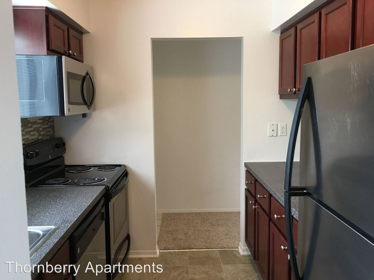 2 Bedrooms 1 Bathroom Apartment for rent at 5460 Bentley in West Bloomfield, MI