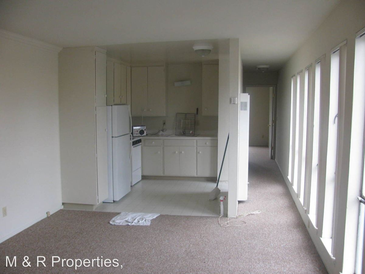 1 Bedroom 1 Bathroom Apartment for rent at 1050 Beech Street in Redwood City, CA