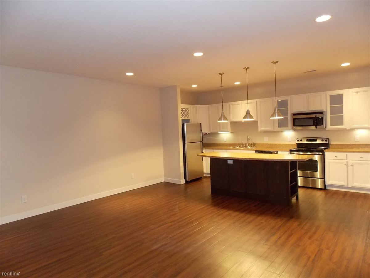 2 Bedrooms 2 Bathrooms Apartment for rent at Kirkwood On The Trail in Bloomington, IN