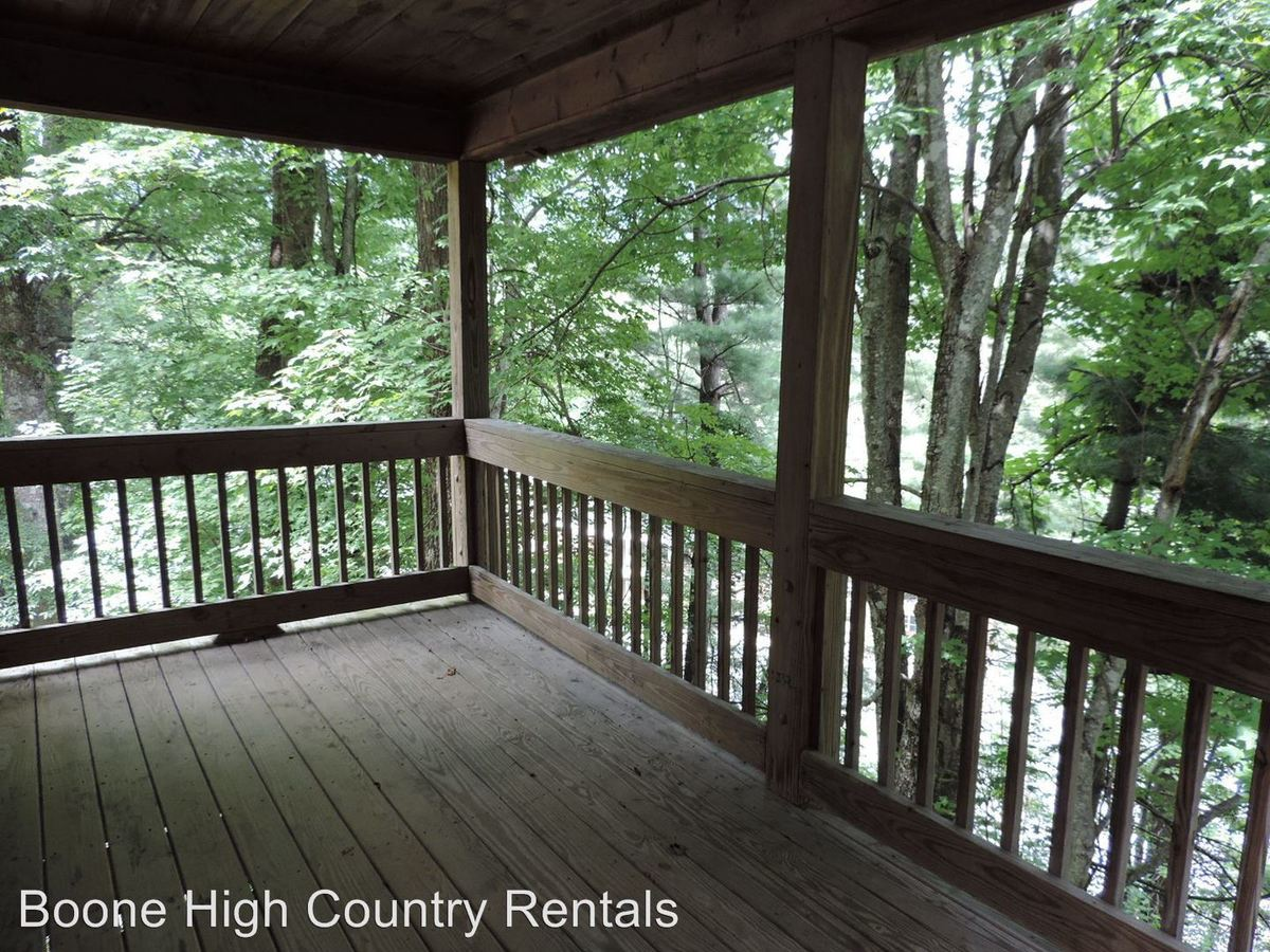 2 Bedrooms 2 Bathrooms Apartment for rent at 157 Maplewood Circle in Boone, NC