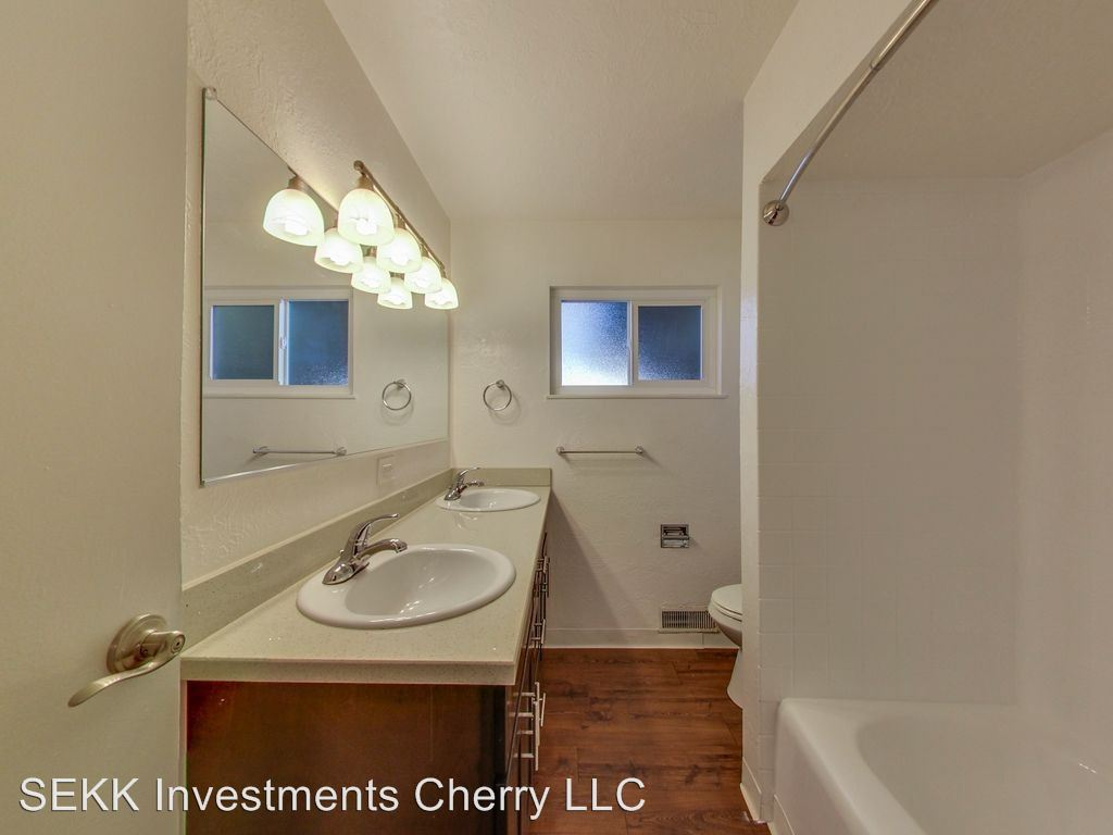3 Bedrooms 2 Bathrooms Apartment for rent at 658 Cherry Way in Hayward, CA