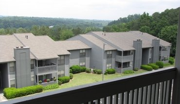 Similar Apartment at Hickory Knoll Apartments