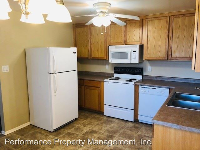 2 Bedrooms 1 Bathroom Apartment for rent at 4450 Holland St in Wheat Ridge, CO