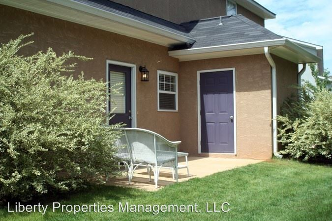 3 Bedrooms 3 Bathrooms Apartment for rent at Ross Park 3/3 Duplex in Auburn, AL
