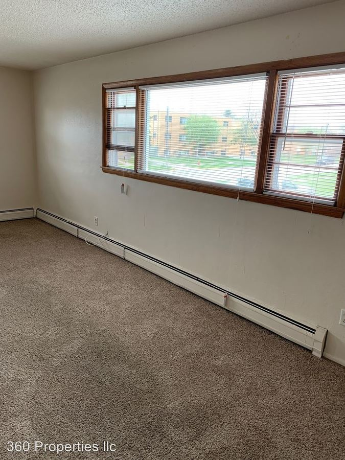 2 Bedrooms 1 Bathroom Apartment for rent at 1010 18 1/2 Street South in Moorhead, MN