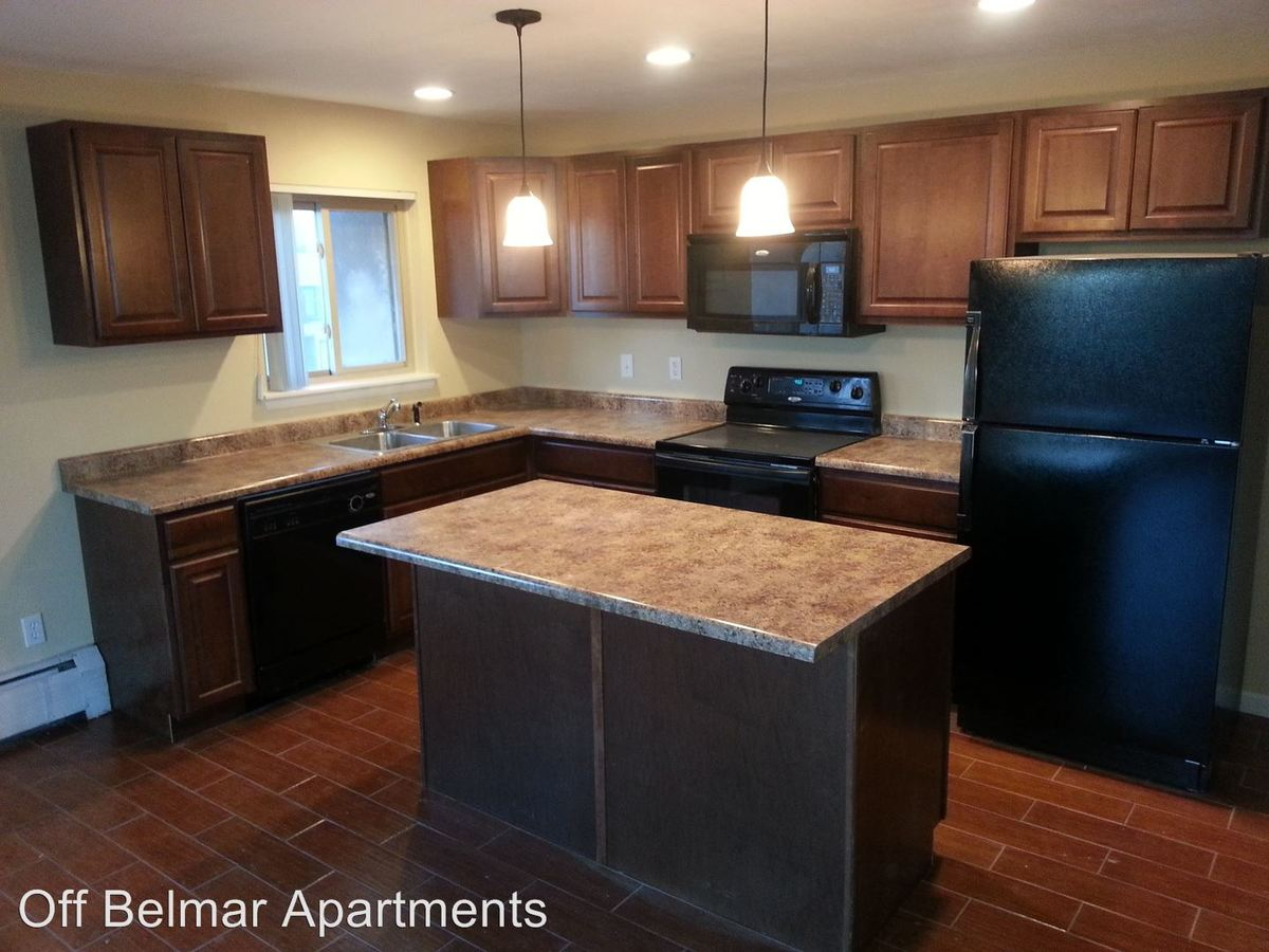 2 Bedrooms 1 Bathroom Apartment for rent at 550-552 Webster St in Lakewood, CO
