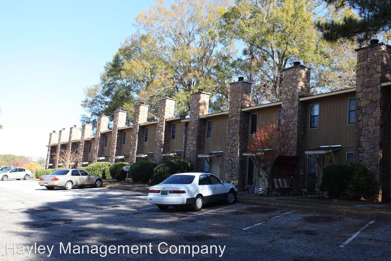 2 Bedrooms 1 Bathroom Apartment for rent at 1107/1108 Elliott Avenue in Opelika, AL