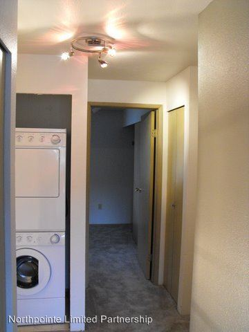 1 Bedroom 1 Bathroom Apartment for rent at 17512 83rd Place Ne in Kenmore, WA