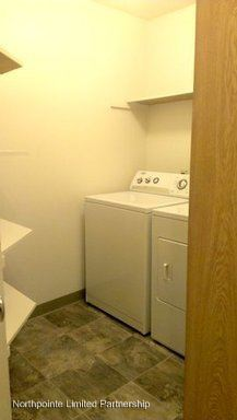 2 Bedrooms 1 Bathroom Apartment for rent at 17512 83rd Place Ne in Kenmore, WA