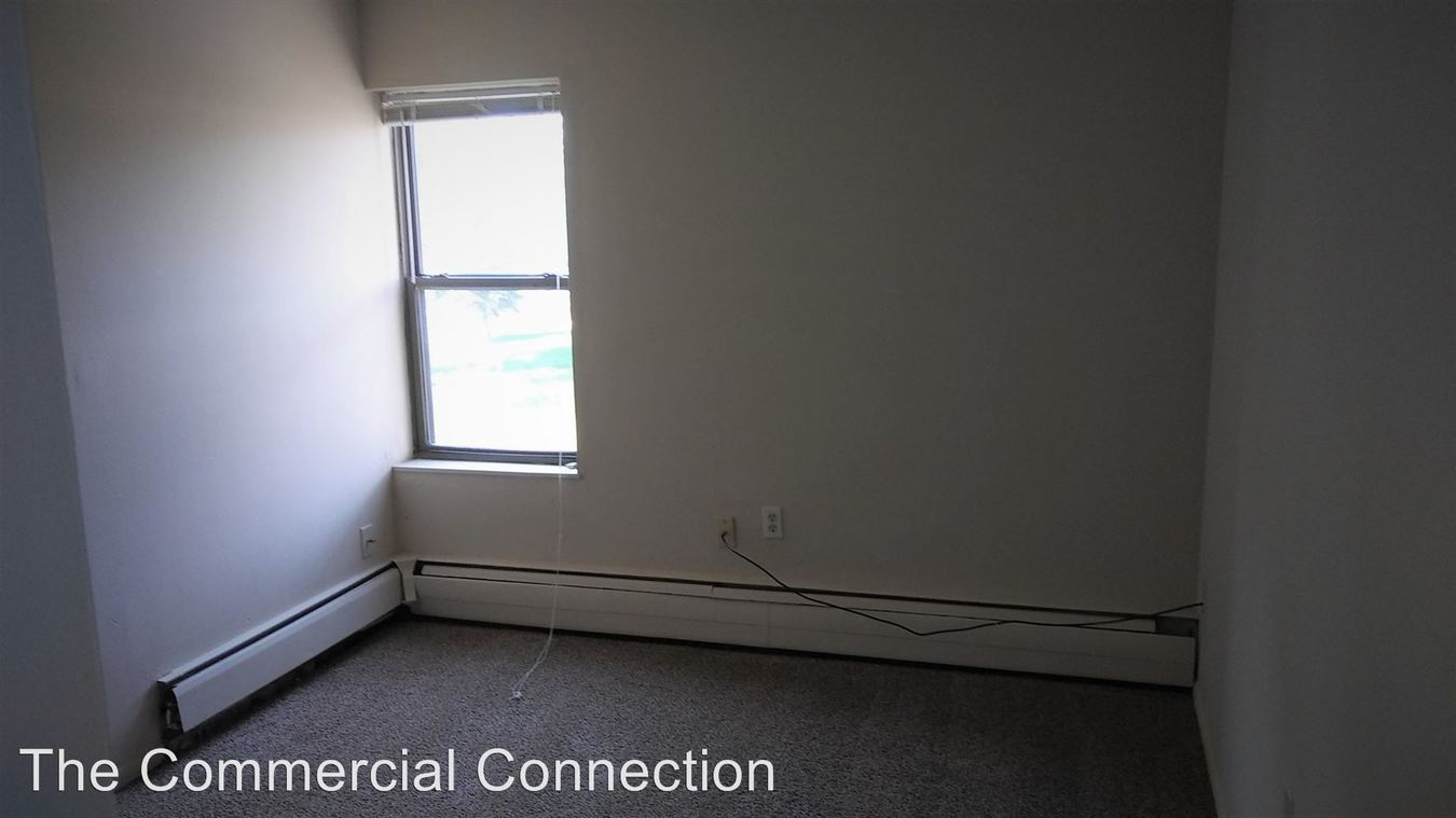 2 Bedrooms 1 Bathroom Apartment for rent at 6410 27th Ave N. in Crystal, MN
