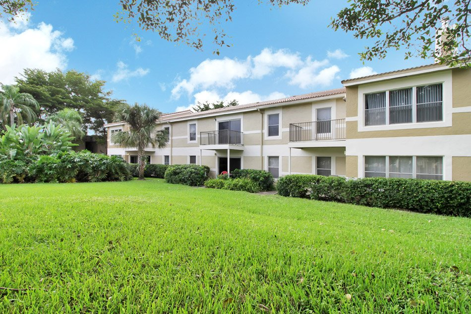 Imt Belasera At Forest Hills Apartments Coral Springs, FL