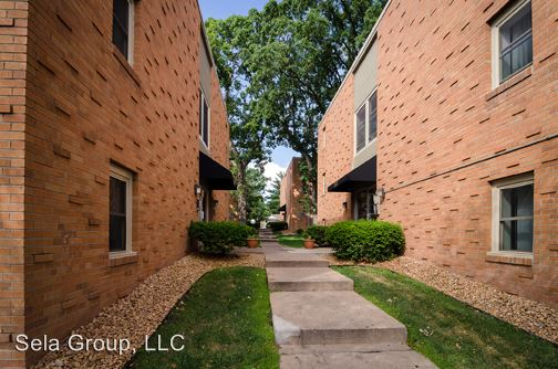1 Bedroom 1 Bathroom Apartment for rent at 3848 West Broadway in Robbinsdale, MN