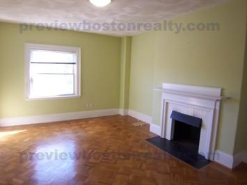 3 Bedrooms 2 Bathrooms Apartment for rent at 1714 Beacon Street Apt# 3-p in Brookline, MA