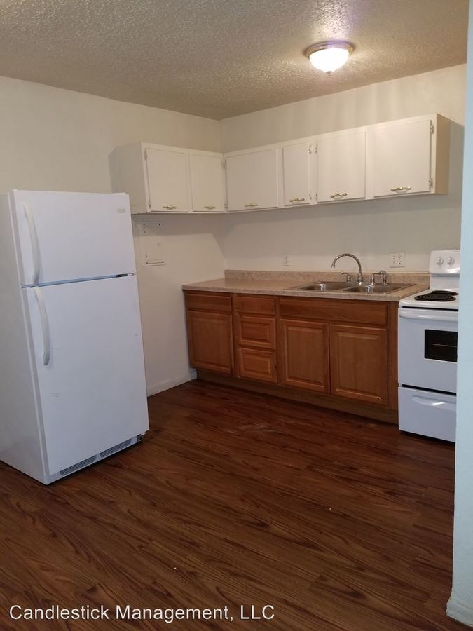 2 Bedrooms 1 Bathroom Apartment for rent at 441 Se Arter Ave in Topeka, KS