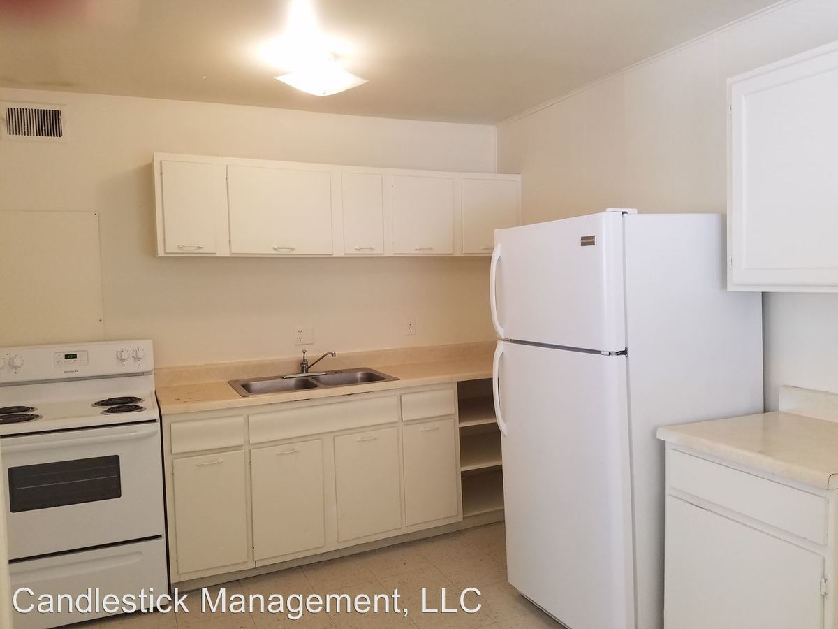 2 Bedrooms 1 Bathroom Apartment for rent at 440 Se Winfield Ave. in Topeka, KS