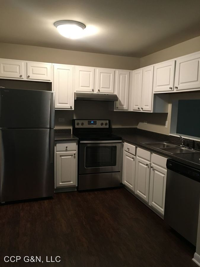 1 Bedroom 1 Bathroom Apartment for rent at 1330 E Chicago Ave in Naperville, IL
