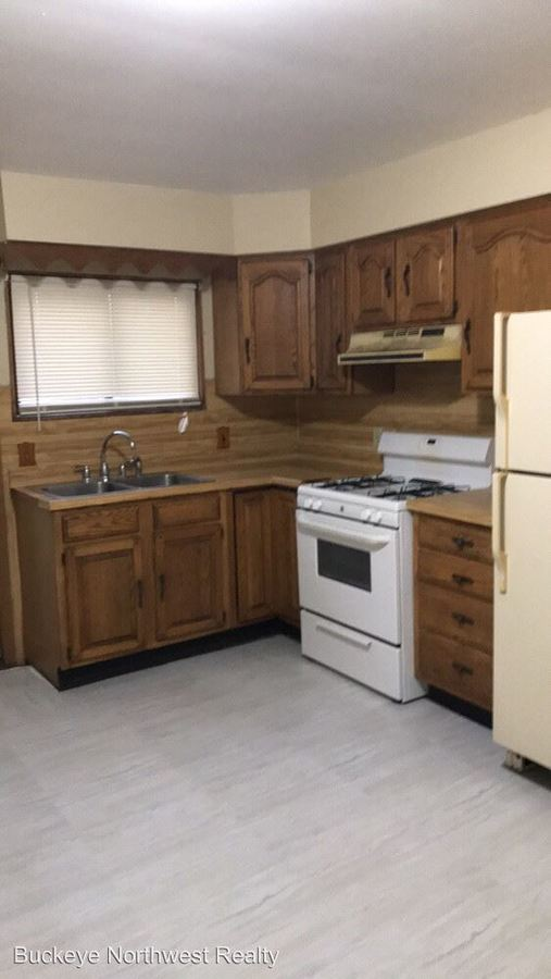 2 Bedrooms 1 Bathroom Apartment for rent at 666 Oswald St in Toledo, OH