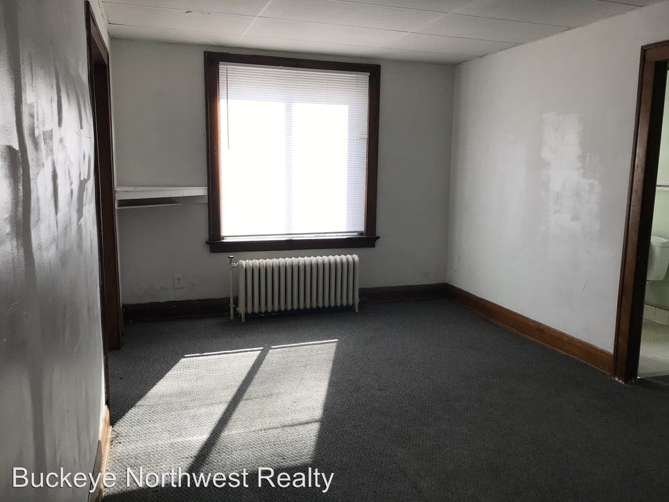 Studio 1 Bathroom Apartment for rent at 1106 W Sylvania Ave in Toledo, OH