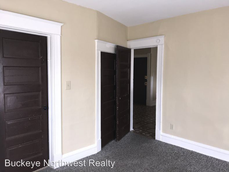 2 Bedrooms 1 Bathroom Apartment for rent at 425 3rd Street in Toledo, OH