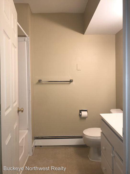 1 Bedroom 1 Bathroom Apartment for rent at 2038 Warren in Toledo, OH