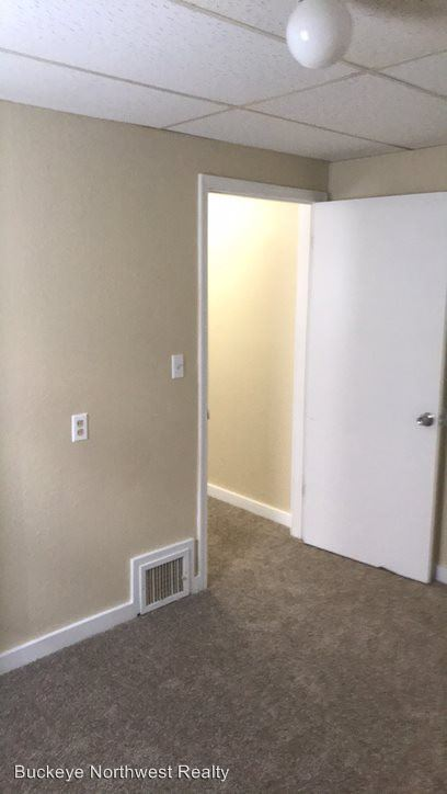 1 Bedroom 1 Bathroom Apartment for rent at 2039 Genesee St in Toledo, OH