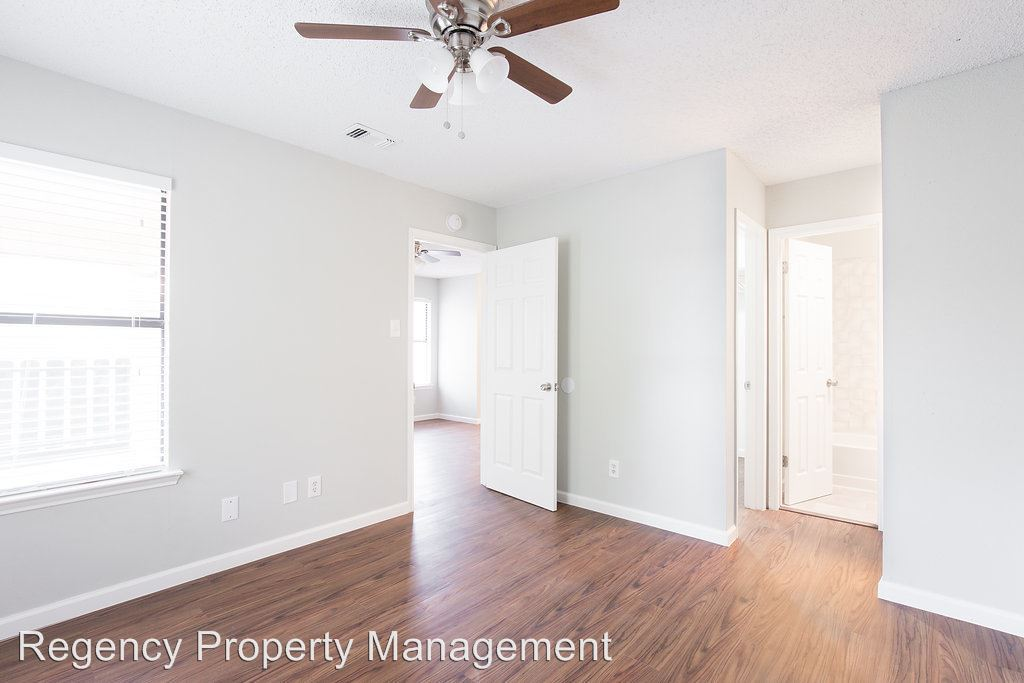1 Bedroom 1 Bathroom Apartment for rent at 5420 Callaghan Rd in San Antonio, TX