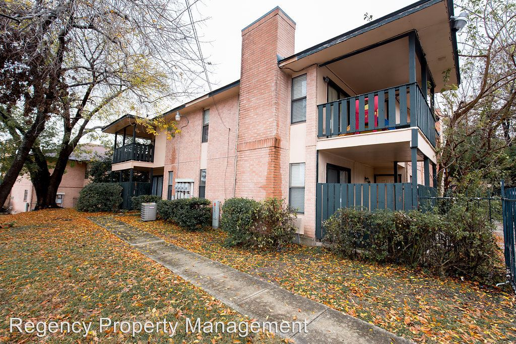 2 Bedrooms 2 Bathrooms Apartment for rent at 5420 Callaghan Rd in San Antonio, TX