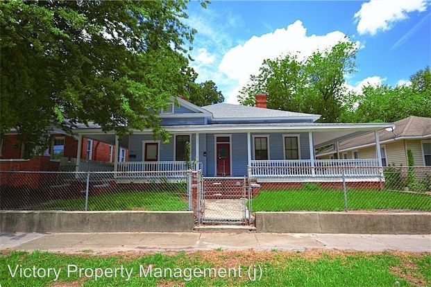 2 Bedrooms 1 Bathroom Apartment for rent at 1917 Pender Ave in Wilmington, NC