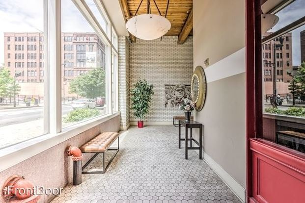 3 Bedrooms 2 Bathrooms Apartment for rent at East Bank Lofts in St Louis, MO