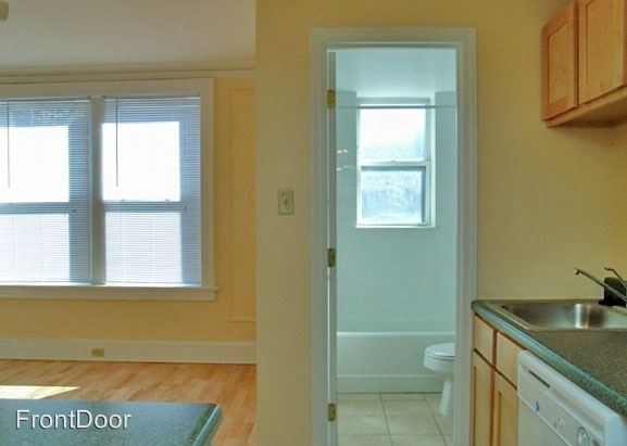 2 Bedrooms 1 Bathroom Apartment for rent at Carleton in St Louis, MO