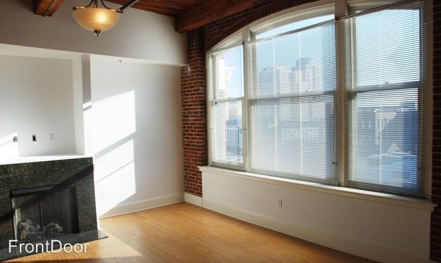 3 Bedrooms 3 Bathrooms Apartment for rent at East Bank Lofts in St Louis, MO
