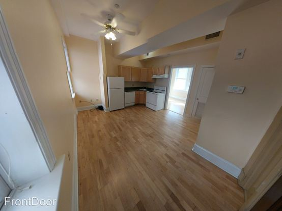 1 Bedroom 1 Bathroom Apartment for rent at White House in St Louis, MO