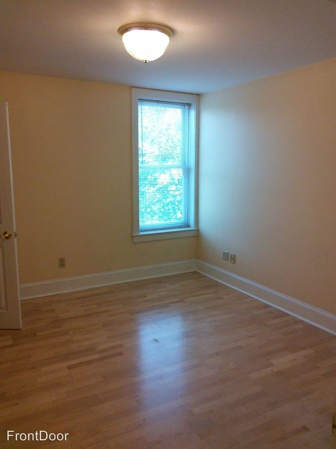 2 Bedrooms 1 Bathroom Apartment for rent at Cloisters in St Louis, MO