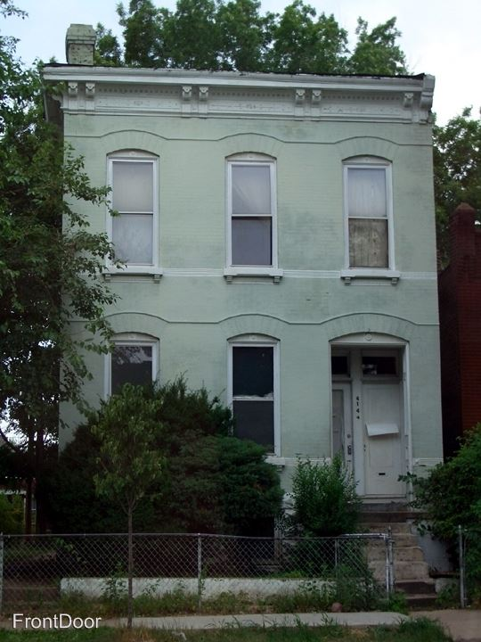 4144 Chouteau Ave. Pear